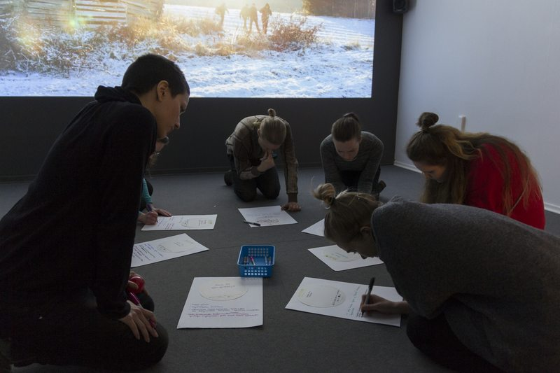 In the project it was observed that museum spaces facilitate the sharing of ideas and teamwork. Photo: Jari Nieminen.