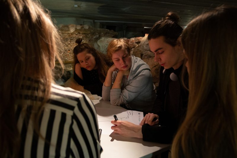 At innovation courses, a museum's contents are harnessed to support creativity and thinking through an innovation process brought to the museum. Photo: Jari Nieminen.